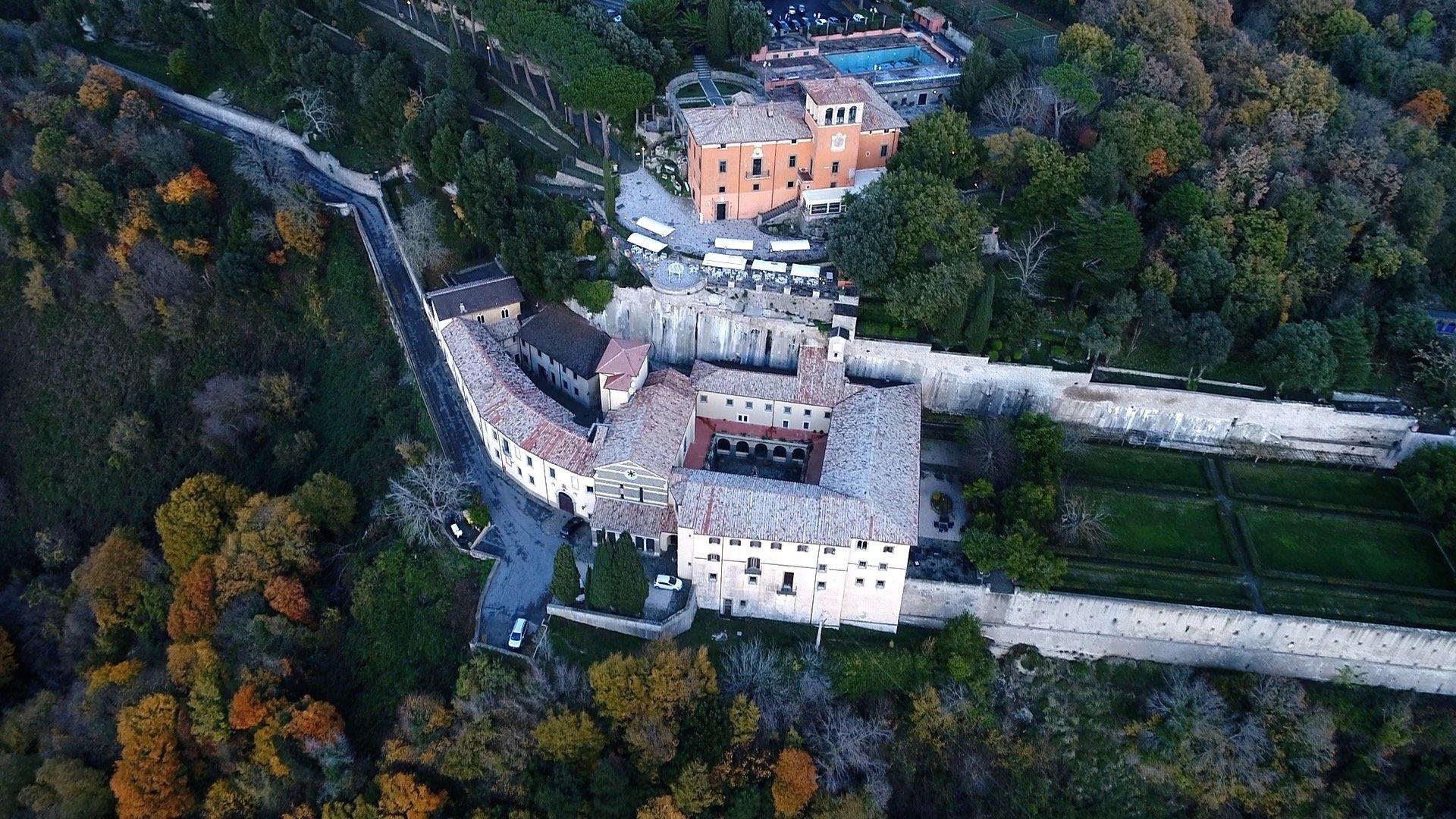 riprese aeree droni roma ristorante lusso bosco natura