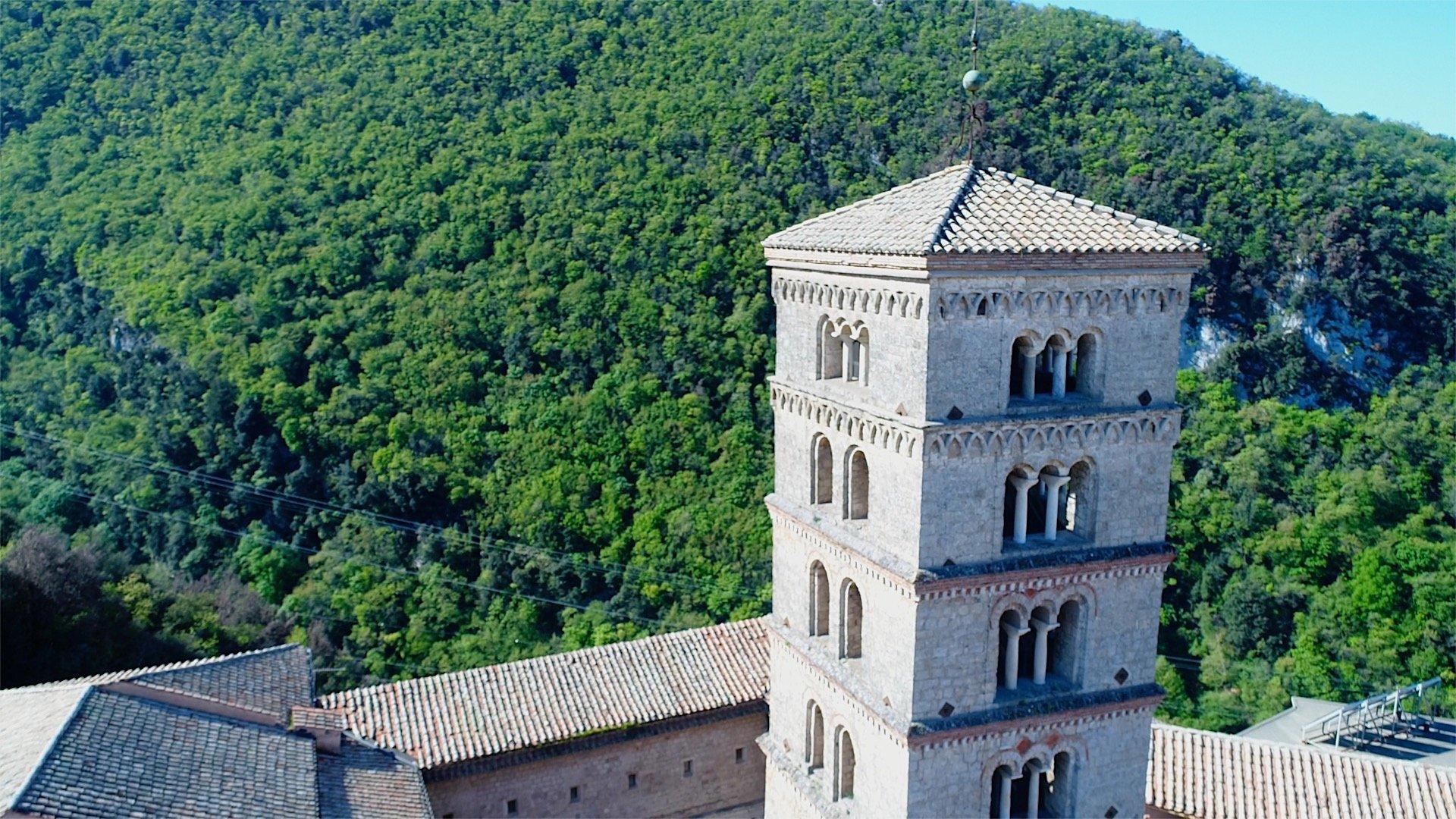 riprese fotografie aeree droni lazio monastero santa scolastica boschi